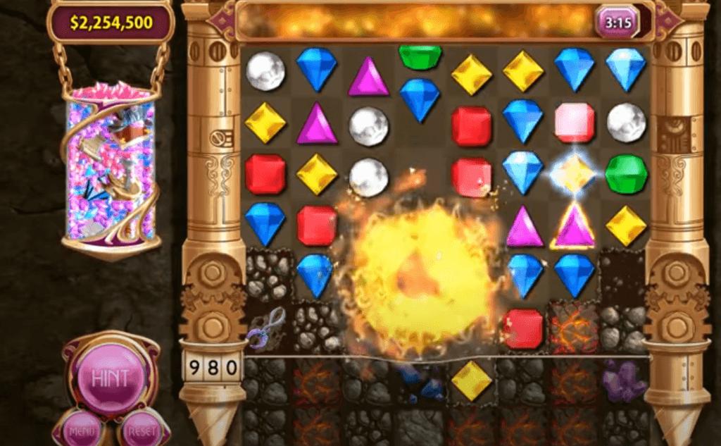 Bejeweled series - a game like Candy Crush saga